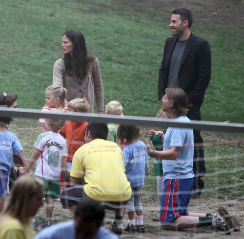 Jen and Ben take tolet, violet and Seraphina to play soccer!