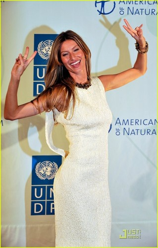 Gisele Bundchen: UN Summit Supermodel