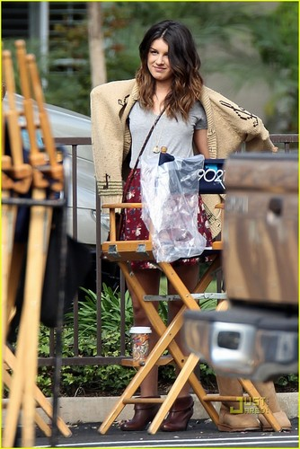 Shenae on set 90210