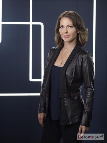 Season Three Cast Picture- Kelli Williams