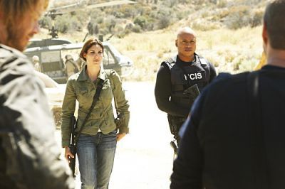 NCIS: Los Angeles - Episode 2.03 - Borderline - Promotional चित्रो