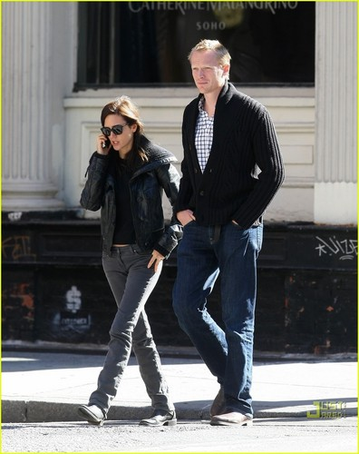 Jennifer Connelly & Paul Bettany: boutique 'Til toi Drop!