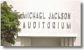 HELP US UNCOVER MICHAEL JACKSON'S NAME ON THE GARDNER सड़क, स्ट्रीट SCHOOL AUDITORIUM SIGN