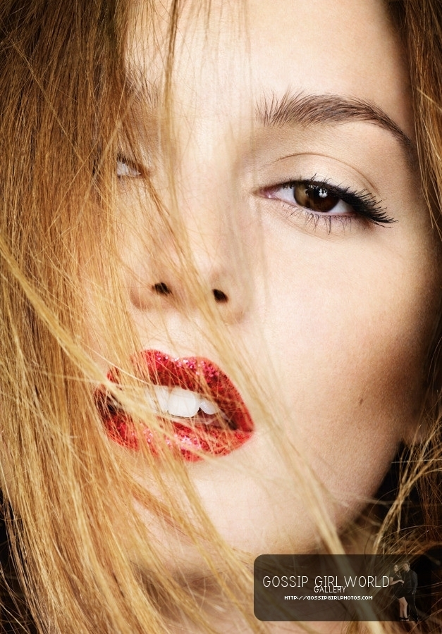 http://images4.fanpop.com/image/photos/16500000/marie-claire-gossip-girl-16570926-627-900.jpg