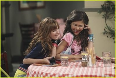 Shake It Up! Promo Stills