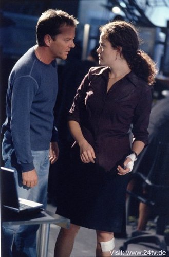 Kiefer & Reiko Aylesworth as Jack Bauer & Michelle Dessler