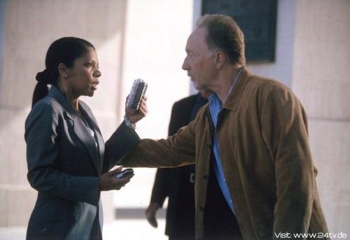 Penny Johnson Jerald & Tobin kengele as sherry Palmer & Peter Kingsley