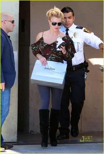 Britney Spears: Neiman Marcus Shopping Spree!