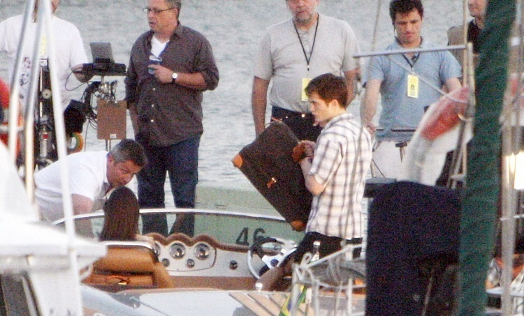 Filming a scene on the pier 07.11.10