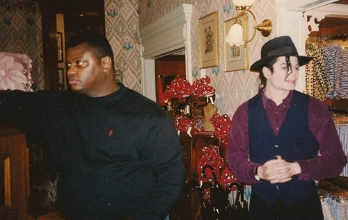 MJ in Paris