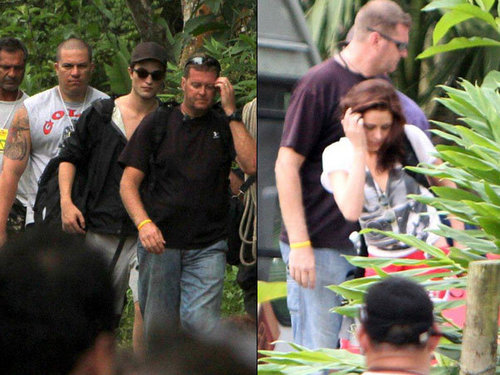 Robert Pattinson & Kristen Stewart are ready to waterfall......
