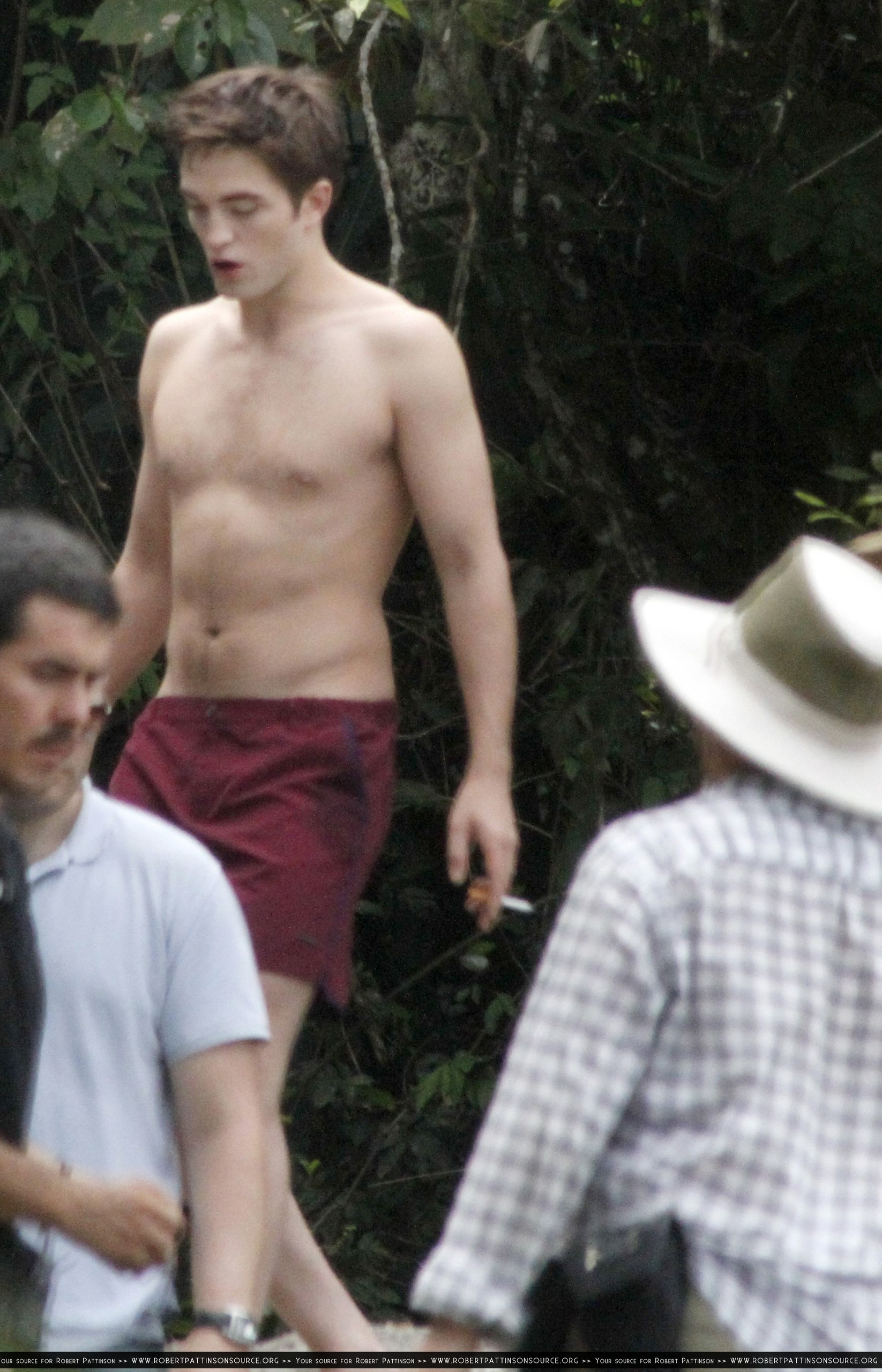 New/HQ pictures of Rob and Kristen in Paraty