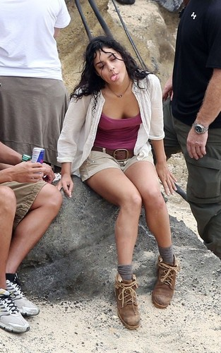 "Vanessa on set ""Journey 2"""