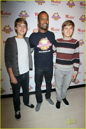 zaidi Dylan and Cole Pics at MOM Event!!