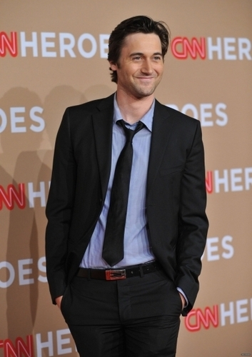 2010-11-20 CNN Heroes: An All-Star Tribute