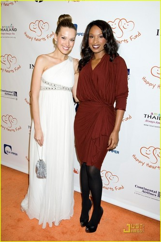 Jennifer Hudson & Petra Nemcova Have 'Happy Hearts'