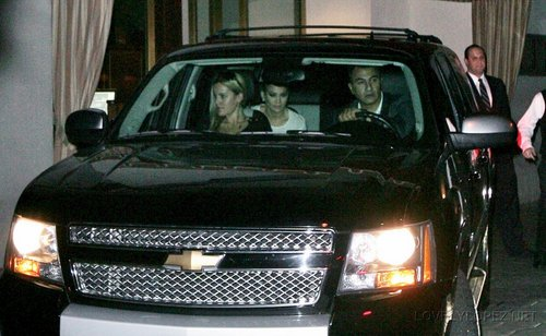 Jennifer Leaving Sunset Towers in West Hollywood, Los Angeles, CA 11/16/10