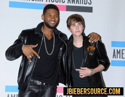 Justin and Usher in th AMA Press Room