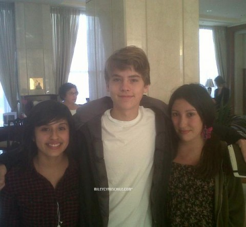 Dylan and Cole người hâm mộ Meeting In Santiago!!