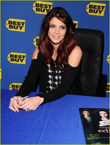 Ashley Greene: 'Eclipse' Signing at Best Buy!