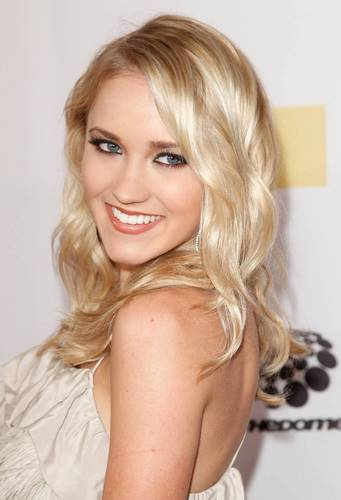 Emily Osment (Lilly Truscott from HM)
