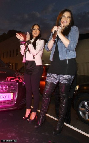 Kim and Khloe enjoy a night in Cape Town, South Africa 12/17/10