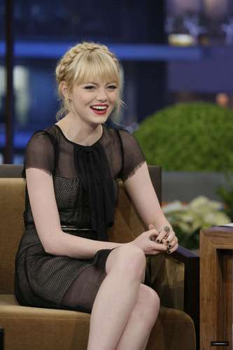 "Emma Stone on ""Late Night 显示 with 松鸦, 杰伊, 杰伊 · Leno"" Stills"