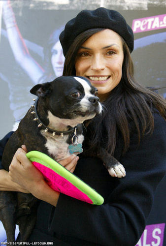 Famke Janssen Unveils Sexy New PETA Ad Seeking Holiday Help for Pups - December 19th, 2006