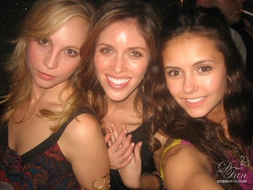 More new/old photos of Candice with some of the TVD cast!