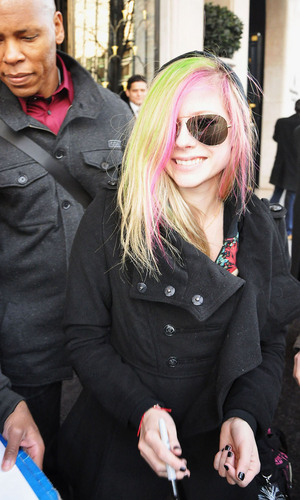 Avril and Brody leaving hotel at Paris