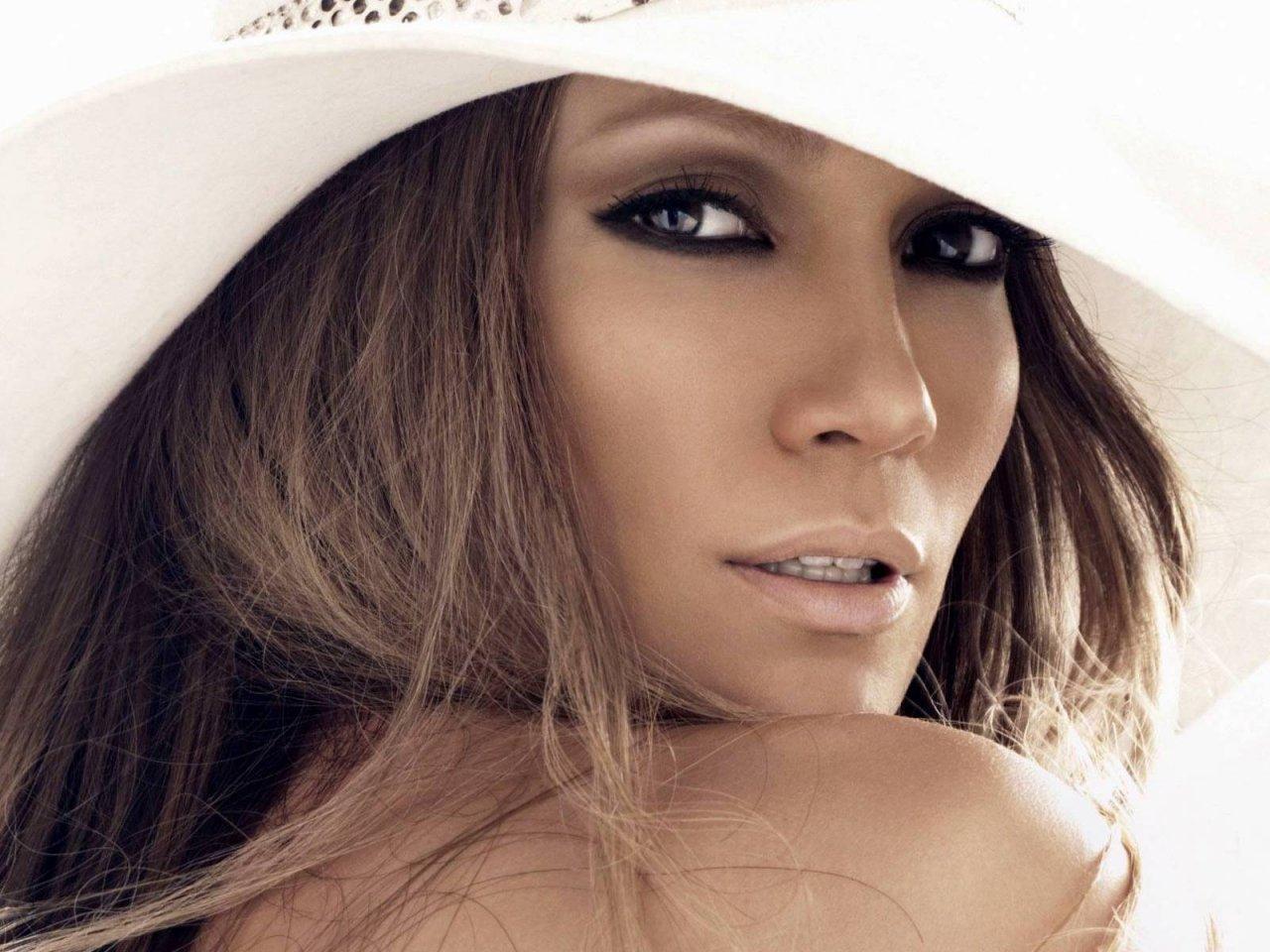 style understood: Jennifer Lopez = Style Icon