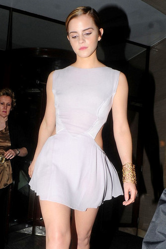 Emma leaving the 2011 Elle Style Awards
