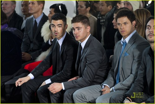 Zac Efron: Calvin Klein Show with Joe Jonas!