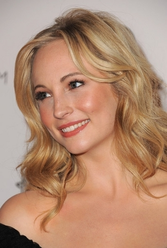 New photos of Candice at 'The Art Of Elysium' Gala (January 15th 2011).