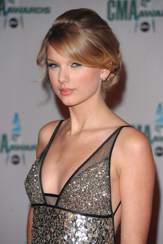 Taylor 42nd Annual CMA 2009