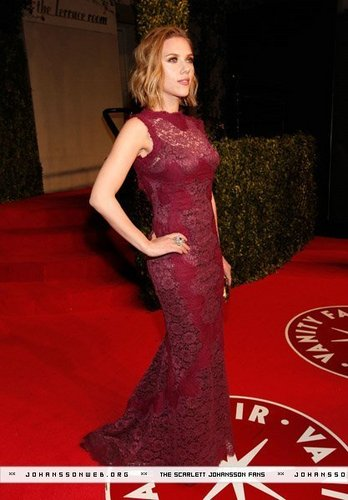Scarlett Johansson @ 2011 Vanity Fair Oscar Party