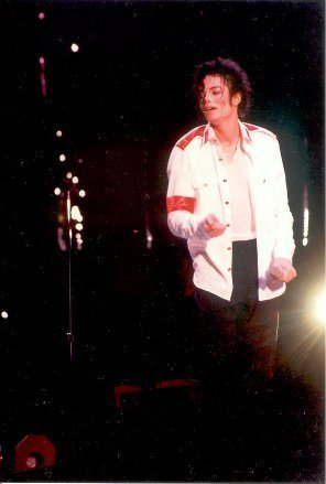 man in the mirror dangerous world tour