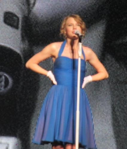 Speak Now World Tour: Osaka, 일본 [February 13, 2011]