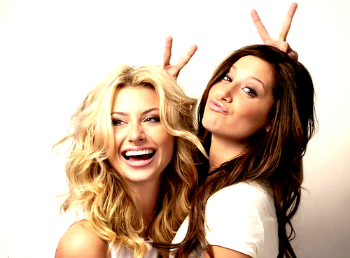 http://images4.fanpop.com/image/photos/20000000/Hellcats-Ashley-Tisdale-Aly-Michalka-Photoshoot-100-Real-x-hellcats-20033822-500-369.png