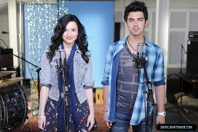 Jemi n make a wave.