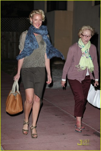 Katherine Heigl: Miami jantar with Mom!