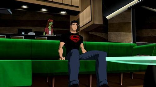 Miss Martian & Superboy Young Justice