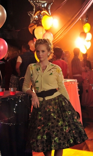 New HQ TVD Stills of Candice as Caroline (1x12: Unpleasantville)!