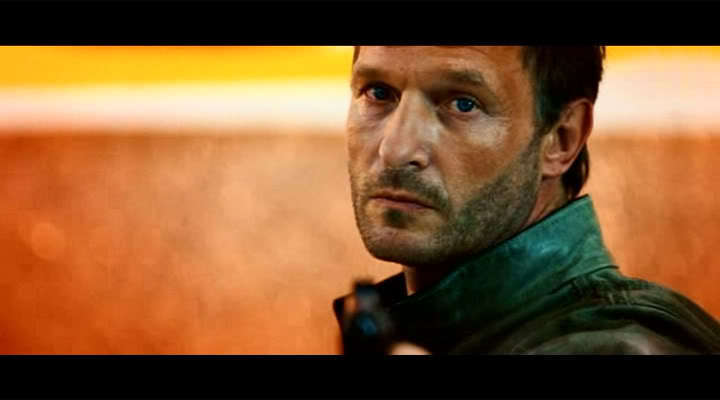 Thomas Kretschmann as Cross