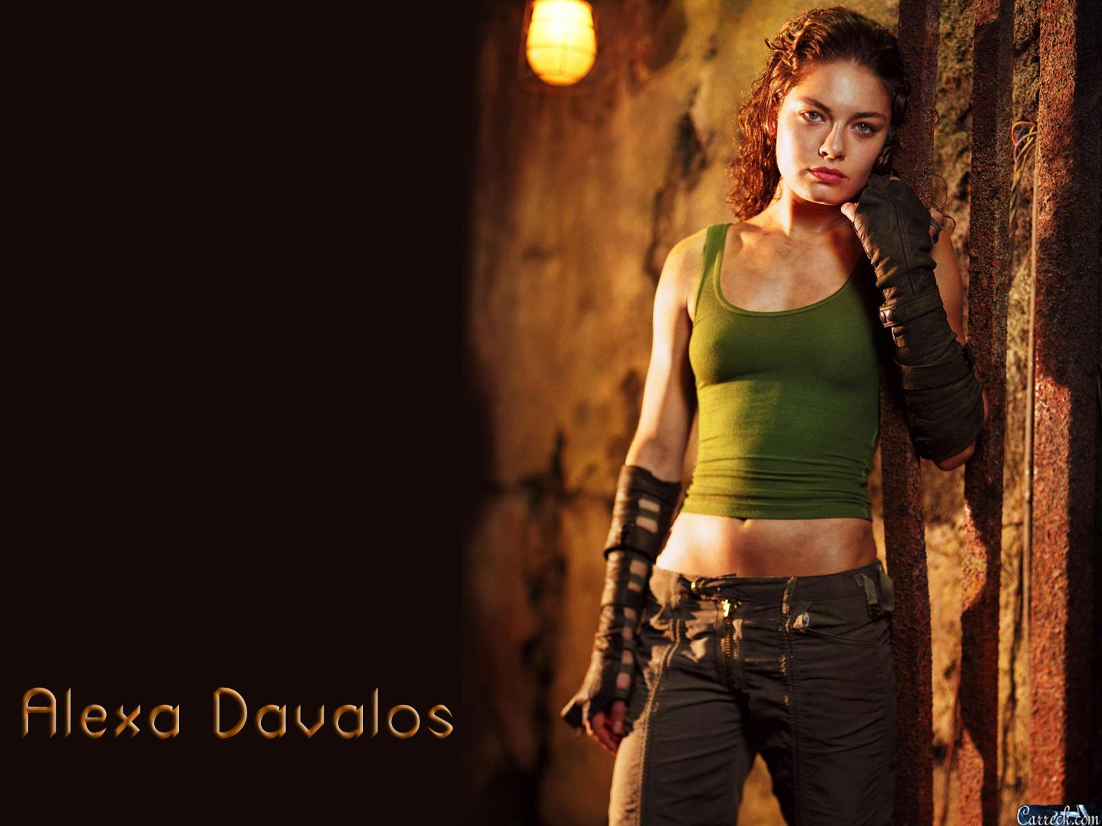 Alexa Davalos salary