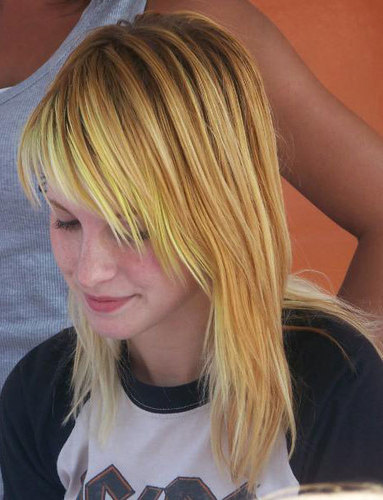Yellow/Blonde Hair
