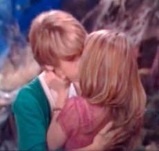 "Cailey: ""Twister"" kiss"