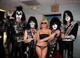 Lady Ga Ga and Kiss