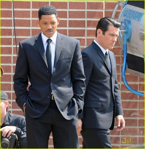 Will Smith & Josh Brolin: Two Men In Black!