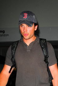 Tom at LA Airport July 2009